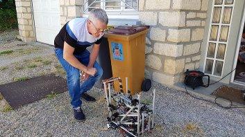 François checking the robot